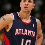 Hawks trade breakdown: Hinrich for Bibby and Larry Drew
